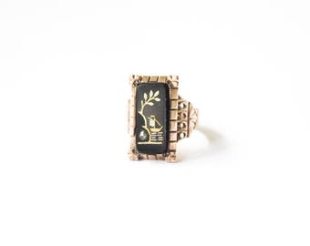 Antique Victorian 10k Gold and Carved Onyx Ring with Ship Scene and Mine Cut Diamond c.1880