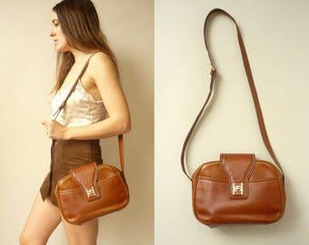1980's Vintage Tan Brown Leather Satchel Messenger Shoulder Bag