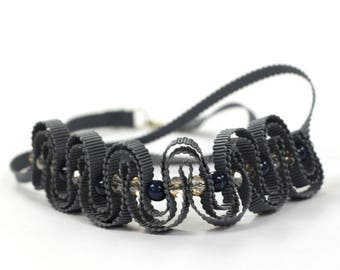 Anthracite grey ribbon necklce with crystal and ceramic beads