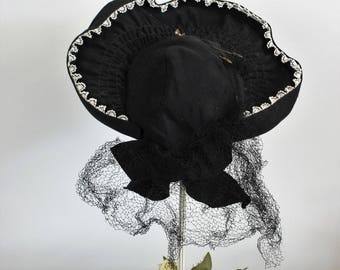 Vintage 1930s 1940s Black Hat With Veil And Hat Pins / Bonnet Style Hat / Millinery / Big Bow / Black Bow White Ruffle Trim / Goth Gothic