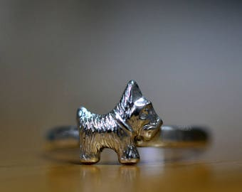 Silver Scottie Dog Ring, Sterling Scottish Terrier Charm, Customized Engraved Jewelry for Animal Lovers