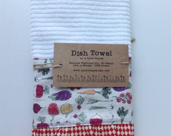 Dish Towel / Kitchen Bar Mop Towel / Farm Kitchen / Home Grown Vegetables in Cream
