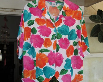 80's Floral Buttoned-Down Short-Sleeves Blouse - Large