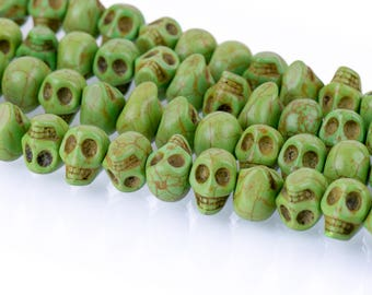 12mm GREEN Howlite Skull Beads, Drilled Sideways, full strand, about 40 beads, how0671