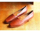 vintage Italian brown leather flats / size 8