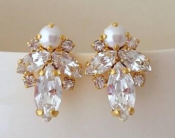 Bridal earrings,Pearl earrings,Pearl crystal stud earrings,Bridesmaid gift,Petite pearl earring,white Cluster earring,Vintage Bridal earring