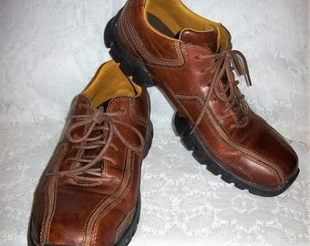 Vintage Men's Brown Leather Casual Oxfords by Rockport Size 9 Only 15 USD