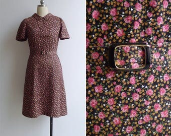 15% SALE (Code In Shop) - Vintage 70's Does 40's Pink Rose Feedsack Floral Collared Dress XS or S