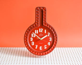 Red Kienzle clock, 70s red ceramic clock, 70s kitchen clock, Kienzle boutique clock