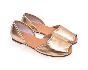 SALE. Sz. 8.5. OASIS. Gold leather shoes / ballet flats / gold leather flats / women shoes