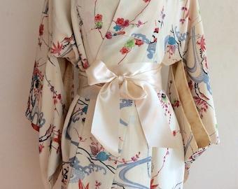 Vintage Japanese silk cream flower kimono