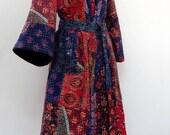 Kimono, robe de chambre, peignoir bleu en patchwork de coton gaudri  bleu, rouge et multicolore