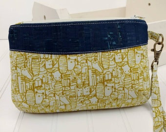 Curvy Clutch w/ Wrist Strap - Little Animals & Natural Cork Fabric