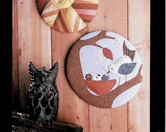 CHARMING QUILTED WALLHANGING Sun, Nest Pattern