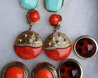 Vintage lot of 4 pair large lucite of clip on earrings
