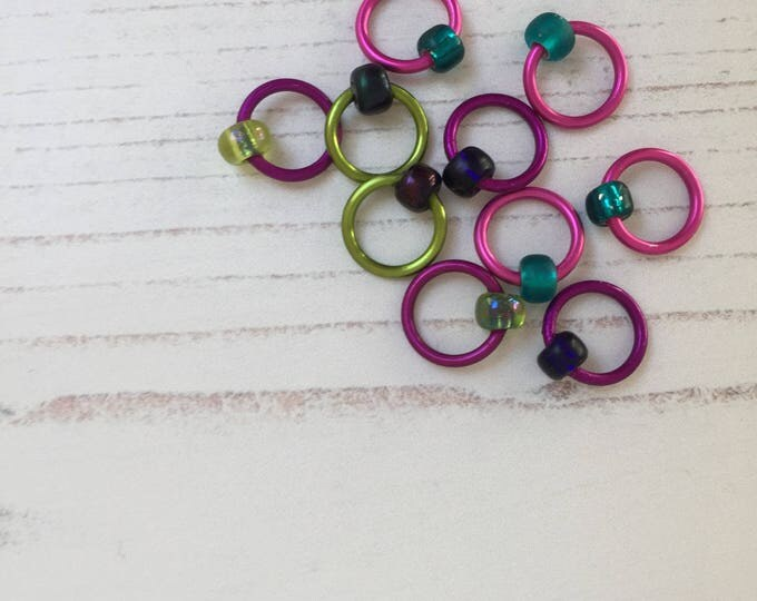 Knitting stitch markers - exclusive West Green Loft Yarn colourways !, knitting tools, snag free, knitting markers, knitting supplies, gifts