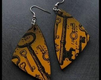 Brown polymer orange patterned key