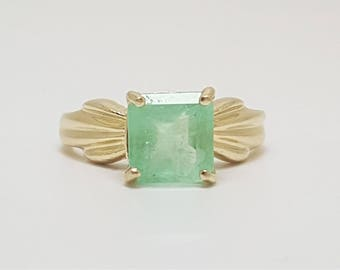 1.59ct Colombian Emerald Solitaire 10kt Yellow Gold Ring Size 5
