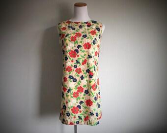 Vintage Mod Mini Dress 60's Floral Retro Short Skirt Beach Day Dress Sleeveless Cotton Spring Summer Shift Daisy Print Size 4 6 Small Medium