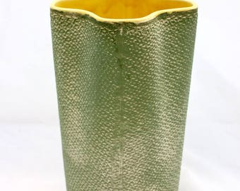 Shawnee Pottery Burlap Textured Vase #880/Mid-Century Rustic Decor