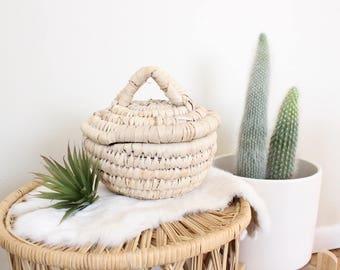 Vintage Lidded Basket Palm Leaf Basket Small Storage and Organization Boho home Decor