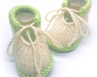 Baby booties / Baby booties beige and light green 0-3 months