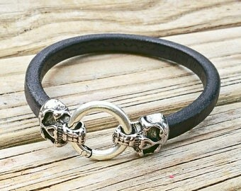 Silver skull and regaliz liquorice leather cuff bracelet. Men's, unisex, 'The Punisher' pirate jewelry.  Biker, Gothic, rocker, geeky, d&d