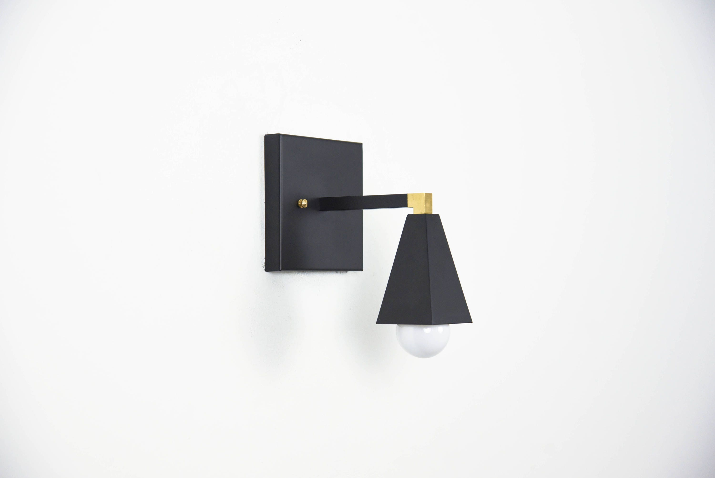 Wall sconce vanity matte black and raw brass gold mix modern wall sconce vanity matte black and raw brass gold mix modern square craftsman abstract mid century industrial art light bathroom ul listed arubaitofo Choice Image