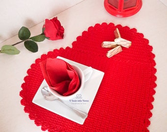 Valentine's Day placemat with Red cotton crochet (art. 105)