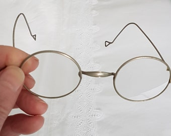 Vintage spectacles, curved wire glasses, 1930s spectacles, gold plate eyeglasses, vintage eyeglasses, round lens glasses, geeky spectacles