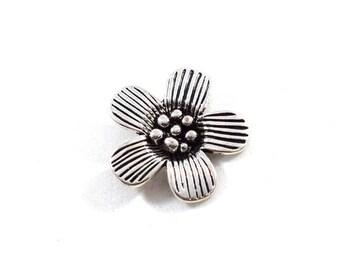 1 Antique Silver Flower Pendant, Flower Pendant, Silver Plated Pendant