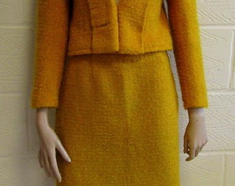 Classic Jackie Kennedy style mustard wool 2 piece suit. Size 6