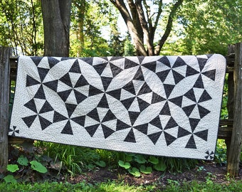 Modern kaleidoscope quilt / Double bed quilt / lap quilt / throw quilt