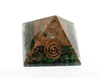 68x58mm Aventurine Orgone Pyramid / Reiki Healing Crystal / Positive Energy / Chakra Stones Meditation Orgone Pyramid For Prosperity