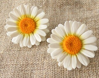Daisy earrings chamomile earrings polymer clay jewelry white flowers jewelry white earrings gift for her floral jewelry wedding jewelry