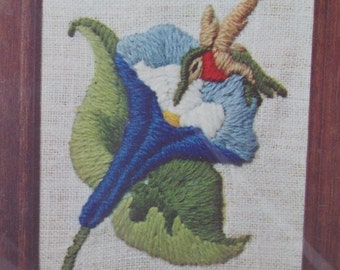 Humming Bird Miniature in Stitchery No.7010 by Crown Arts, Crewel Embroidery Kit