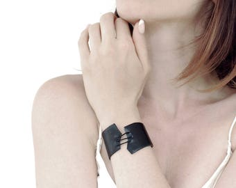 Black Leather Bracelet for women Leather Bangle Leather cuff / .ABIME.