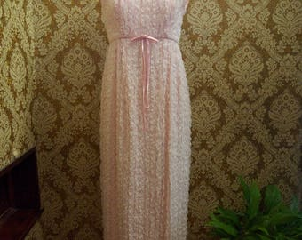 Vintage Pale Pink Sleeveless Scoop Neck Maxi Dress with Lace Overlay