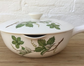 SALE Villeroy & Boch porcelain sauce pan with lid and handle Vintage serving pan Made in Luxembourg Grape vine motif Vintage kitchen