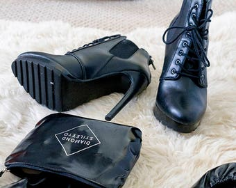 6 Pairs of Black Foldable Shoes