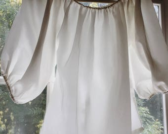 1980s White Off the Shoulder Top