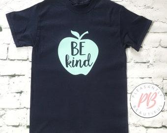 Be Kind Women's Fashion Tee