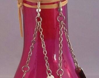 Gold trapeze earrings