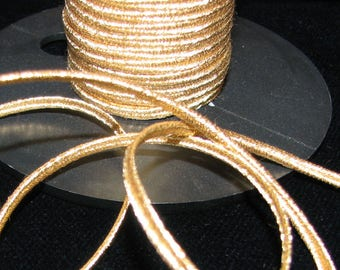 Stripe 2 m soutache Gold 2.5 mm mm for Landes spacers boleros embroidery.