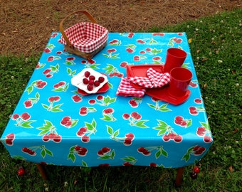 """Fitted Oilcloth Tablecloth - Wedding Gift - Crate and Barrel """"Table in a Bag"""" - Fitted Picnic Cloth - Glamping - Tablecloth - Item #"""