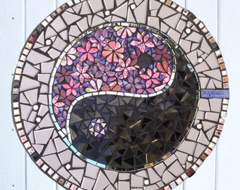 Mosaic Stepping Stone with Ying Yang Symbol ~ Mosaic Paving Slab ~ Garden Art ~ Mosaic Paving Stone ~ Garden Decor ~ Eco Art ~ Yoga Art