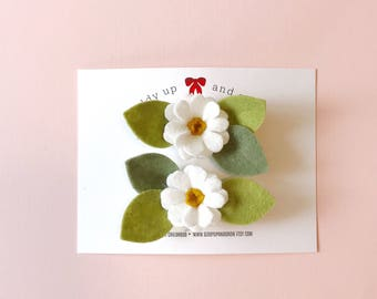 Pigtail Set White Daisy Flowers, Felt Flowers, giddyupandgrow
