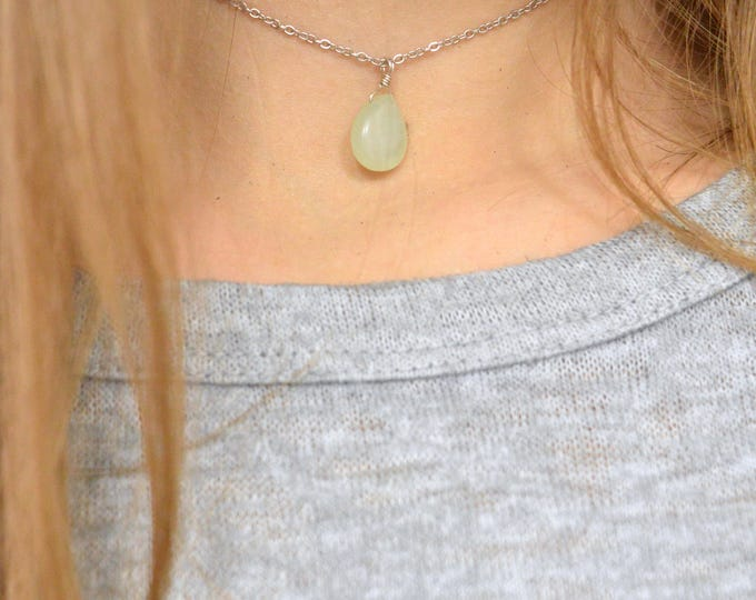 Chalcedony Necklace, Green Smooth Teardrop Briolette Necklace, Layering Necklace, Minimalist, Dainty Jewelry, Mint Green Jewelry, Seafoam