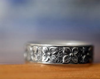 Oxidized Silver Ring, Customised Men's Wedding Band, Flower Floral Dot Pattern, Personalized Gift, Engraved Sterling Silver Ring