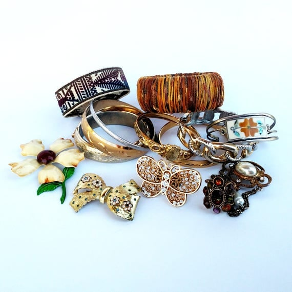 Wholesale Lot of Vintage Jewelry - 14 pieces including Bracelets, Rings and Brooches
